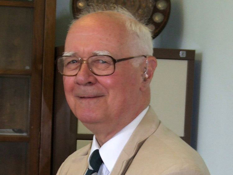 Faith and science community mourns Polkinghorne, known for his 'binocular' vision of truth